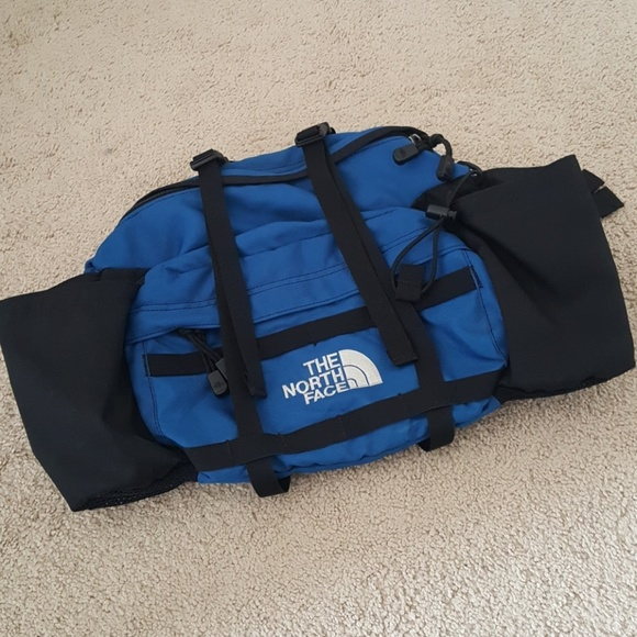 North Face Handbags - Vintage North Face Lumbar Fanny Pack